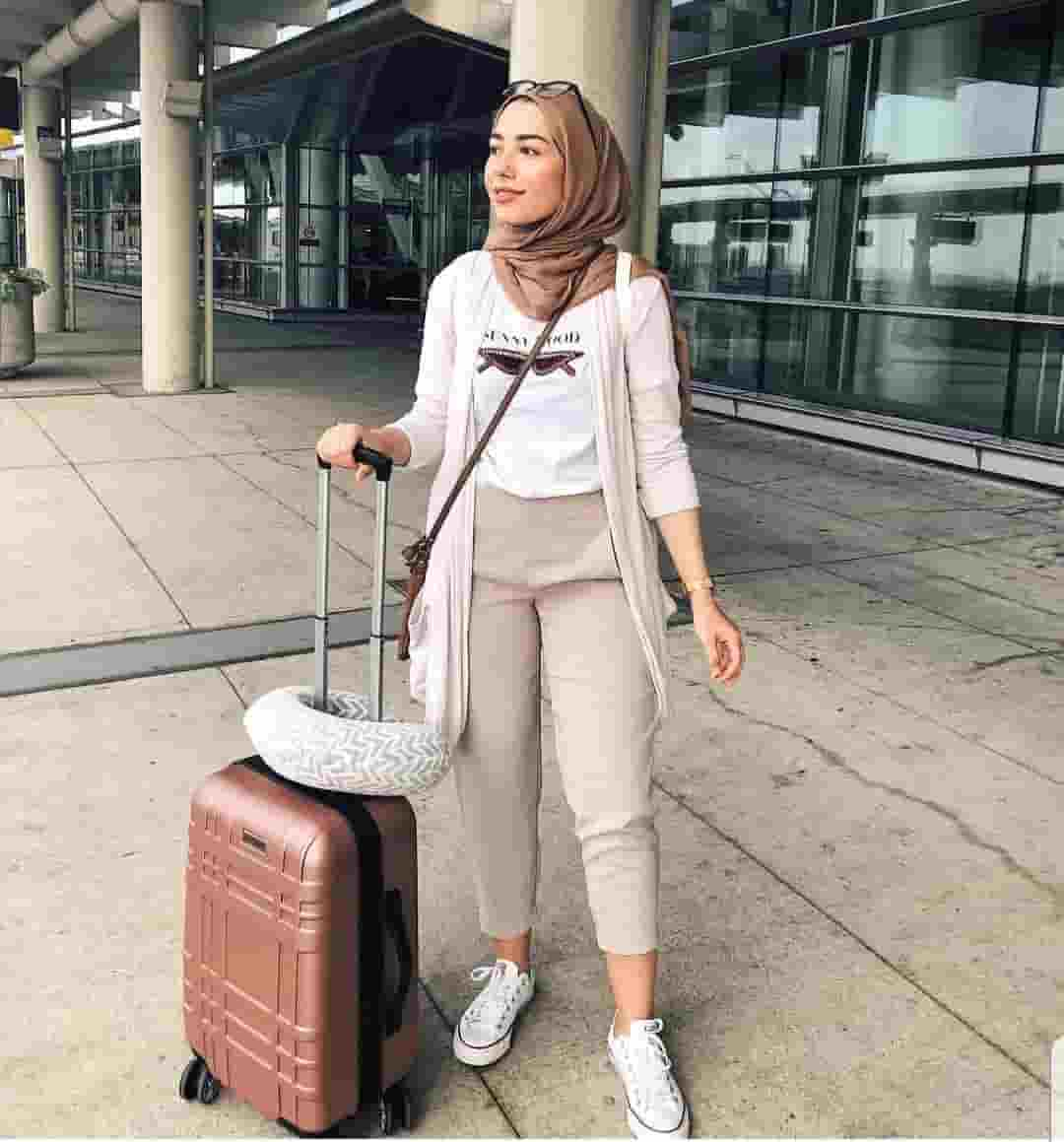 Best Hijab Women for Travel